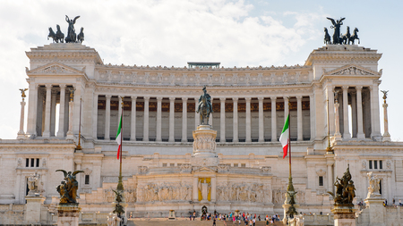 The Altare della Patria or Il Vittoriano , a monument built in honour of Victor Emmanuel, the first king of a unified Italy, Rome. Editöryel