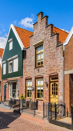 Typical house in Volendam, North Holland, Netherlands Redactioneel