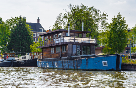 Living house over the boat