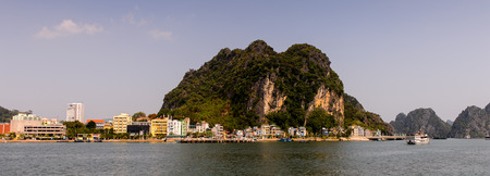Ha Long bay islands in the Indochina sea. Banque d'images