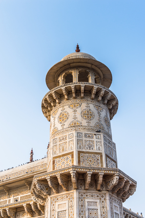 Minaret of the Itmad-Ud-Daulah Mausoleum (Jewel Box or the Baby Taj) in Agra, Uttar Pradesh, India. It was referred as a draft for Taj Mahal Imagens