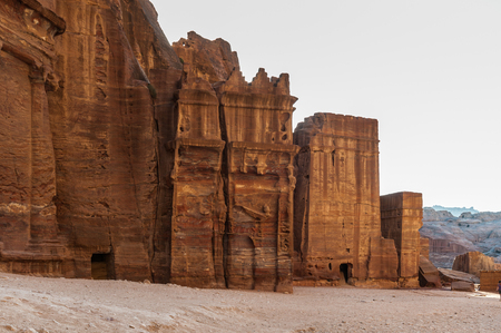 One of the multiple tombs in Petra. The city of Petra was lost for over 1000 years. Now one of the Seven Wonders of the Word Archivio Fotografico