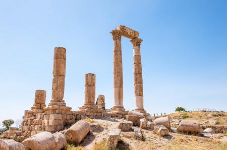 Temple of Hercules of the Amman Citadel complex (Jabal al-Qal'a), a national historic site at the center of downtown Amman, Jordan. Banco de Imagens