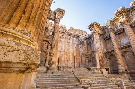 Alte Ruinen von Baalbek, der Libanon Standard-Bild - 92511860