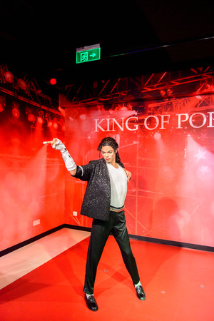 BEIJING, CHINA - APR 6, 2016: King of pop Michael Jackson at the Beijing Madame Tussauds wax museum. Marie Tussaud was born as Marie Grosholtz in 1761 Imagens - 103887805