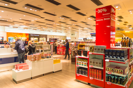 VIENNA, AUSTRIA - DEC 30, 2014: Duty Free secction of the Vienna International Airport, which serves as the hub for Austrian Airlines Sajtókép