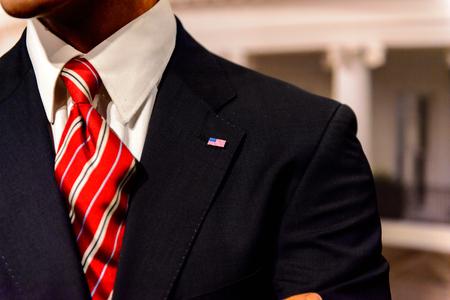 AMSTERDAM, PAÍSES BAJOS - 26 DE OCTUBRE DE 2016: Barack Obama, 44o presidente de Estados Unidos, museo de cera Madame Tussauds en Amsterdam. Una de las atracciones turísticas más populares