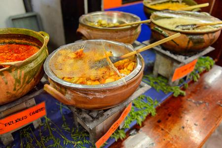 OAXACA, MEXICO - 1 DE NOVIEMBRE DE 2016: Platos en el Restaurante La Choza del Chef en Oaxaca, el lugar con comida nacional mexicana