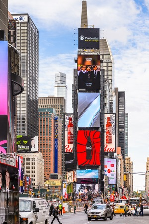 NEW YORK, USA - SEP 22, 2015: Times Square, a major commercial neighborhood in Midtown Manhattan, New York City Фото со стока - 105849474