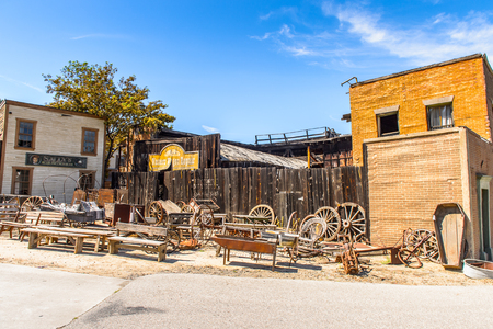 LOS ANGELES, USA - SEP 27, 2015: Old West houses for westerns at the Hollywood Universal Studios. Universal Pictures company was created on June 10, 1912 Editoriali