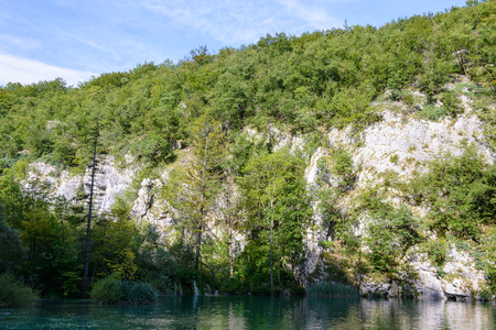 Icredible beautiful nature of the Plitvice lakes area in Croatia Imagens