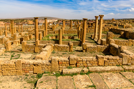 Ruines de Timgad, une ville romano-berbère des Aurès en Algérie. (Colonia Marciana Ulpia Traiana Thamugadi). Patrimoine mondial de l'UNESCO