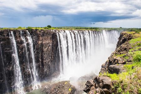 Wodospady Wiktorii, granica Zambii i Zimbabwe.
