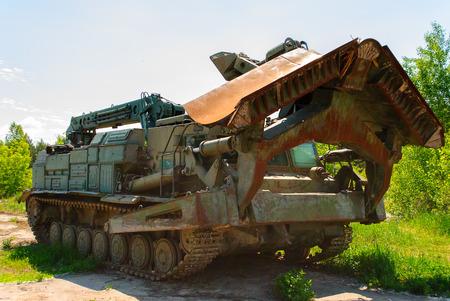 Véhicule soviétique endommagé à Tchernobyl, une ville d'Ukraine, célèbre par la catastrophe de l'explosion d'un réacteur nucléaire le 26 avril 1986 Banque d'images