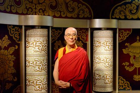 VIENNA, AUSTRIA - OCT 4, 2017: Dalai Lama, Madame Tussauds wax museum in Vienna. Stock fotó - 114100562