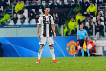 Turin - Nov 7, 2018:  Cristiano Ronaldo 7 does a free kick. Juventus - Manchester United. UEFA Champions League. Matchday 4. Allianz stadium. Redactioneel