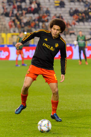 BRUSSELS - NOV 15, 2018: Axel Witsel 6 warms up. Belgium - Iceland. UEFA Nations League. 新闻类图片