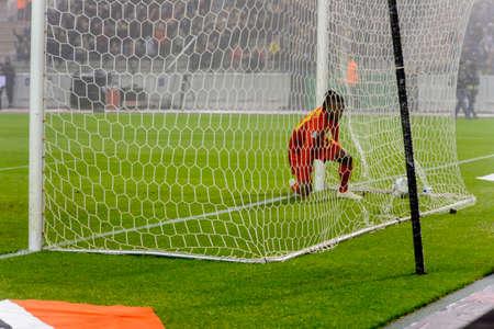 BRUSSELS - NOV 15, 2018: Michy Batshuayi 23 scores the goal.  Belgium - Iceland. UEFA Nations League. 新闻类图片