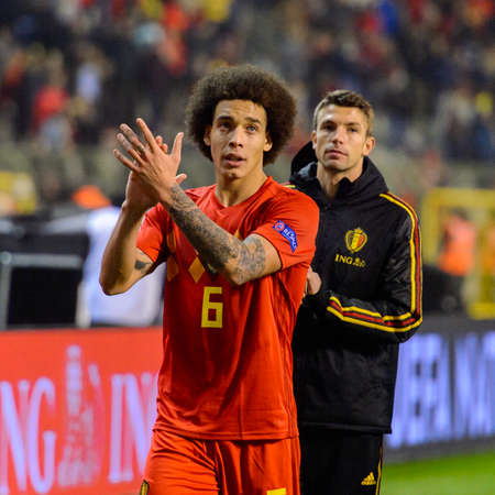BRUSSELS - NOV 15, 2018: Axel Witsel 6 greets the public. Belgium - Iceland. UEFA Nations League. 新闻类图片
