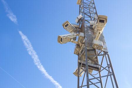 Beveiligingscamera's bedekt met insecten Stockfoto - 32688021