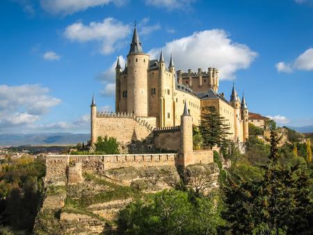 中世の城 - セゴビア、ラマンチャ、スペインの Alcasar