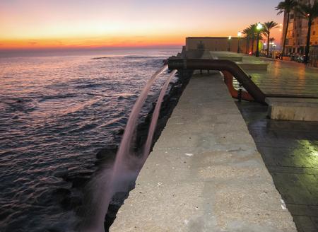 tuberias de agua: Paisaje marino en la puesta de sol en C�diz, Andaluc�a, Espa�a