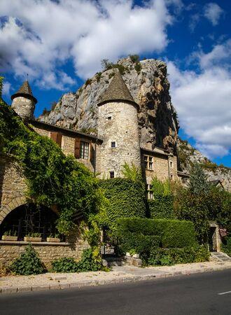 tarn: Image of Saint Chely du Tarn, Tarn Gorges, France