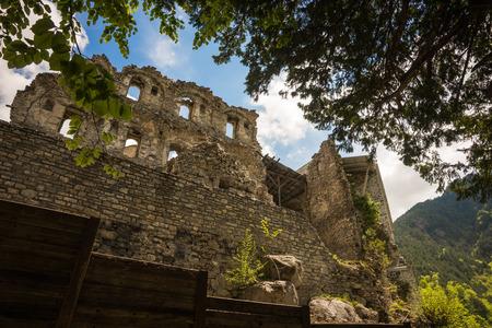 olimpo: Las ruinas de un antiguo monasterio en el monte Olimpo, el norte de Grecia