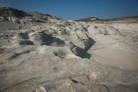 paisaje lunar: �nica playa paisaje lunar blanco Sarakiniko, Milos, Grecia