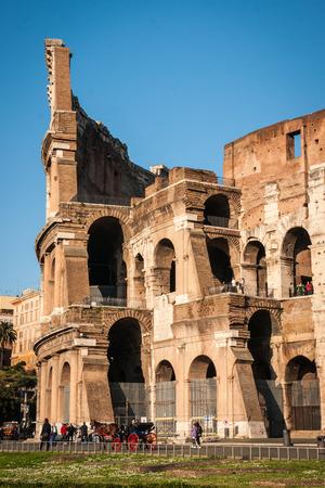 Vue panoramique de ruines de Colisée, Rome, Italie Banque d'images - 43271945
