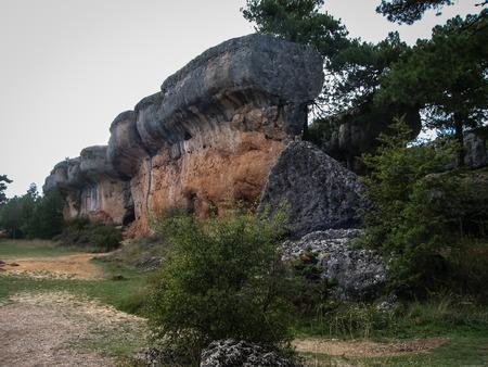 매혹적인 도시 쿠 엥카, 카스티야 라 만차, 스페인의 독특한 암석의 이미지 스톡 콘텐츠
