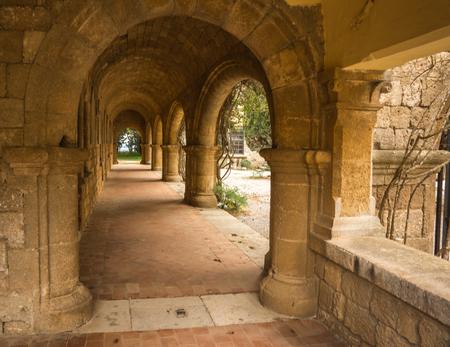 paisaje mediterraneo: Monasterio en el Monte Filerimos en Rodas en Grecia
