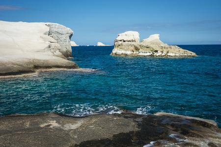 Imagem de Moonscape beach Sarakiniko, Milos, Grécia Foto de archivo - 80082527