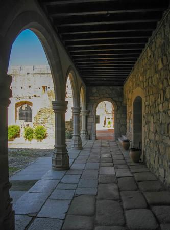 Ruiny zamku Adrada w Avila, Castilla y Leon, Hiszpania