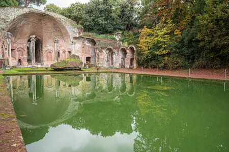Ancient pool called Canopus in Villa Adriana (Hadrians Villa) in Tivoli, Italy Reklamní fotografie