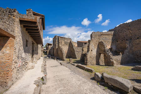 Ruins of the ancient city of Pompeii destroyed by volcano Vesuvius in Campania in Italy Imagens
