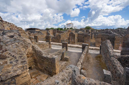 Ruins of the ancient city of Pompeii destroyed by volcano Vesuvius in Campania in Italy Banque d'images