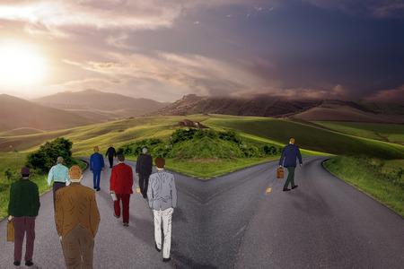 An der Kreuzung Menschen wählen ihren Weg mit einer Person in verschiedenen Richtung. Taking a chance Ausreißer Wahrscheinlichkeitsstatistiken Konzept