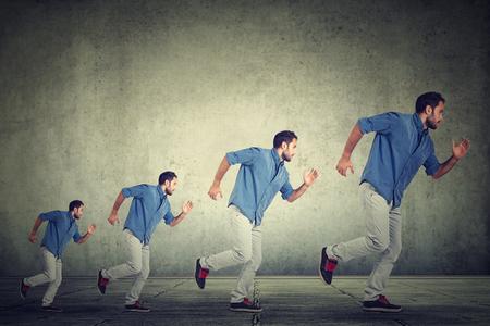 personas corriendo: Hombre creciente Ocupado