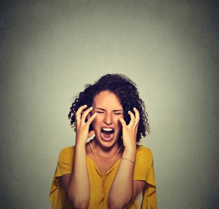 mujer fea: Mujer hist�rica Muy enojado Foto de archivo