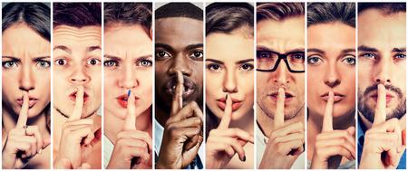 입술 제스처에 손가락을 가진 사람의 그룹 남성 여성