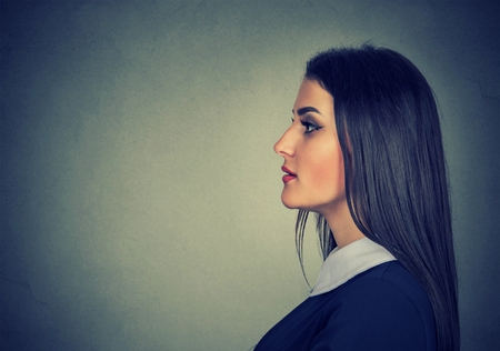 woman profile: Side profile portrait of a young woman