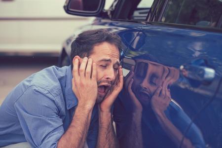 자동차 사고 후 운전자 화가