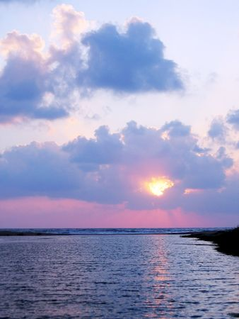 zons ondergang op zee