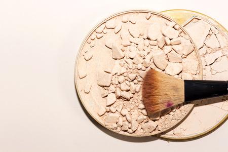 crushed powder foundation and brush