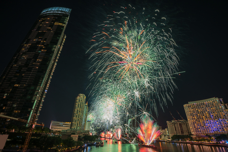 Bangkok new year countdown 2019 fireworks Cityscape river side for Celebration Фото со стока - 116703629