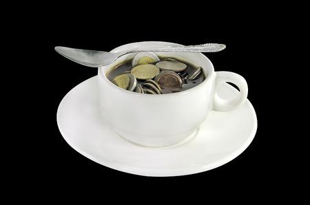 negocios comida: monedas de dinero de Tailandia en una taza de café Foto de archivo
