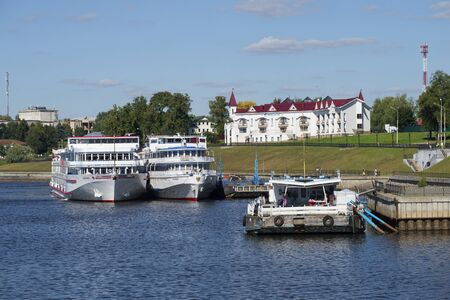 uglich russia: UGLICH, RUSSIA - AUGUST 22, 2015: Cruise ships are moored at the pier of Uglich city Editorial