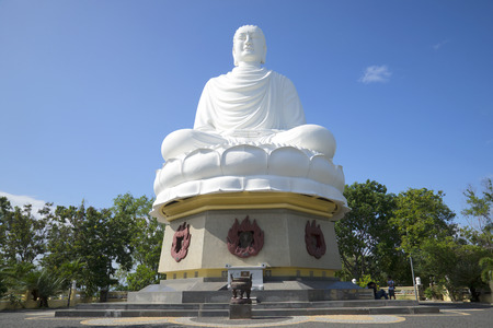 sean: NHA TRANG, VIETNAM - JANUARY 01, 2016: A giant sculpture of a seated Buddha in the Long Son pagoda