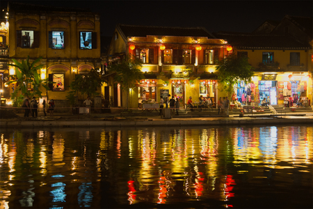 hoi an: HOI AN, VIETNAM - JANUARY 02, 2016: Night the promenade town of Hoi An Editorial